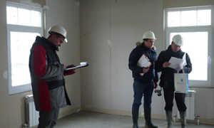 Помощь в приемке квартиры в новостройке: зачем привлекать эксперта при приемке?